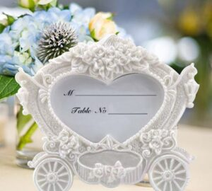 Lovely Heart Carriage Card Holder
