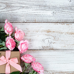 ESSENTIAL GIFTS FOR MOTHER'S DAY
